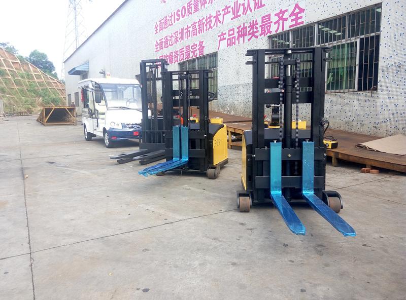 浙江某药业公司--2台全电动防爆托盘搬运车