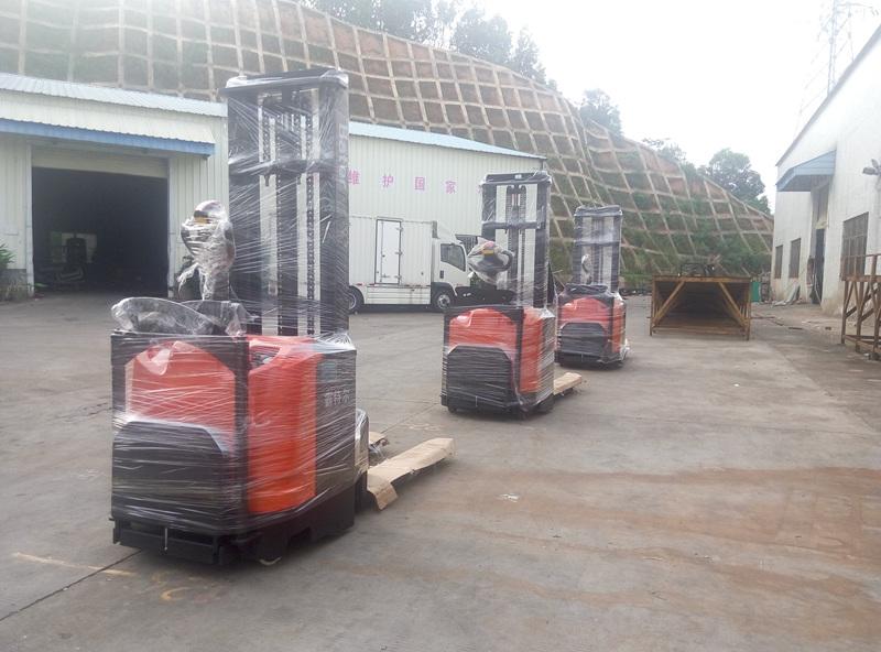 深圳新能源公司--3台全电动蓄电池堆高车